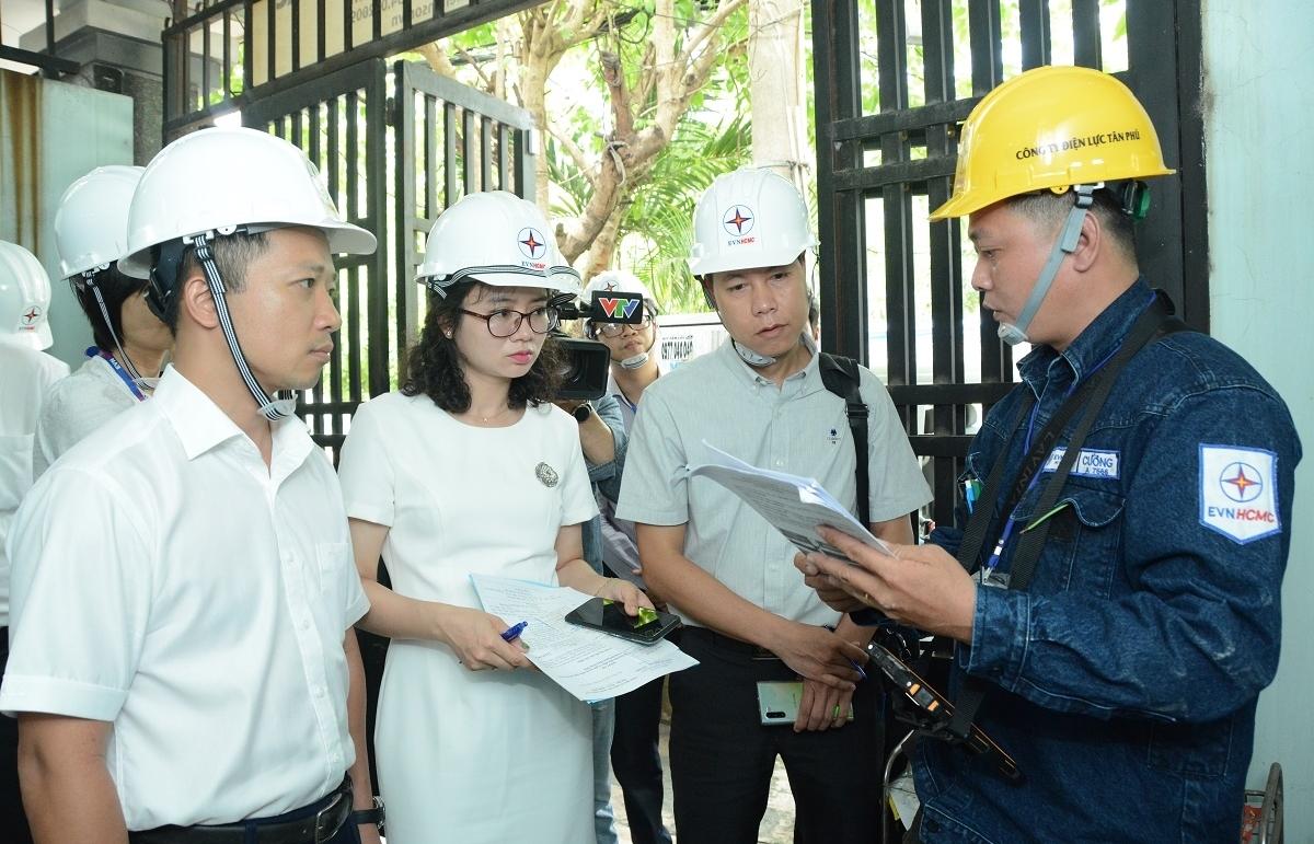 Công tác ghi chỉ số, lập hóa đơn tiền điện của EVN thực hiện đúng quy trình, quy định