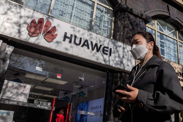 Mỹ dồn dập trừng phạt Trung Quốc, quan hệ hai siêu cường