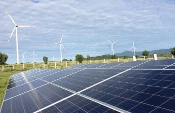 Tạo điều kiện thuận lợi nhất để các nhà máy điện mặt trời phát điện vận hành thương mại