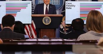 Mỹ có 4 triệu ca mắc Covid-19, ông Trump khuyên người dân đeo khẩu trang