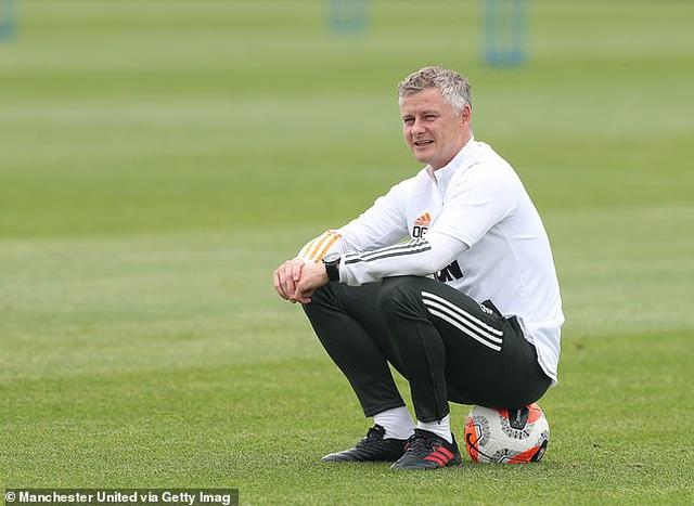 Man Utd và Chelsea lo mất cả núi tiền nếu trượt khỏi top 4 Premier League