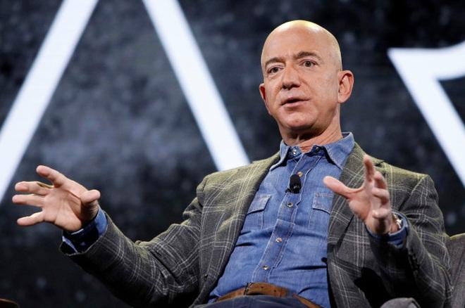Ông chủ Amazon nghỉ hưu với khối tài sản khủng - 1