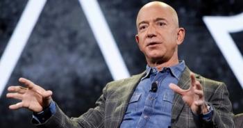 """Ông chủ Amazon nghỉ hưu với khối tài sản """"khủng"""""""