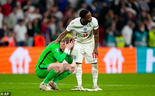 Người Anh rơi lệ sau thất bại ngay tại thánh địa Wembley - 4