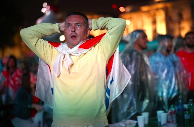 Người Anh rơi lệ sau thất bại ngay tại thánh địa Wembley - 10