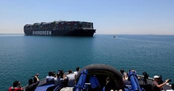 Bất chấp sự cố tắc nghẽn, kênh đào Suez vẫn đạt doanh thu kỷ lục