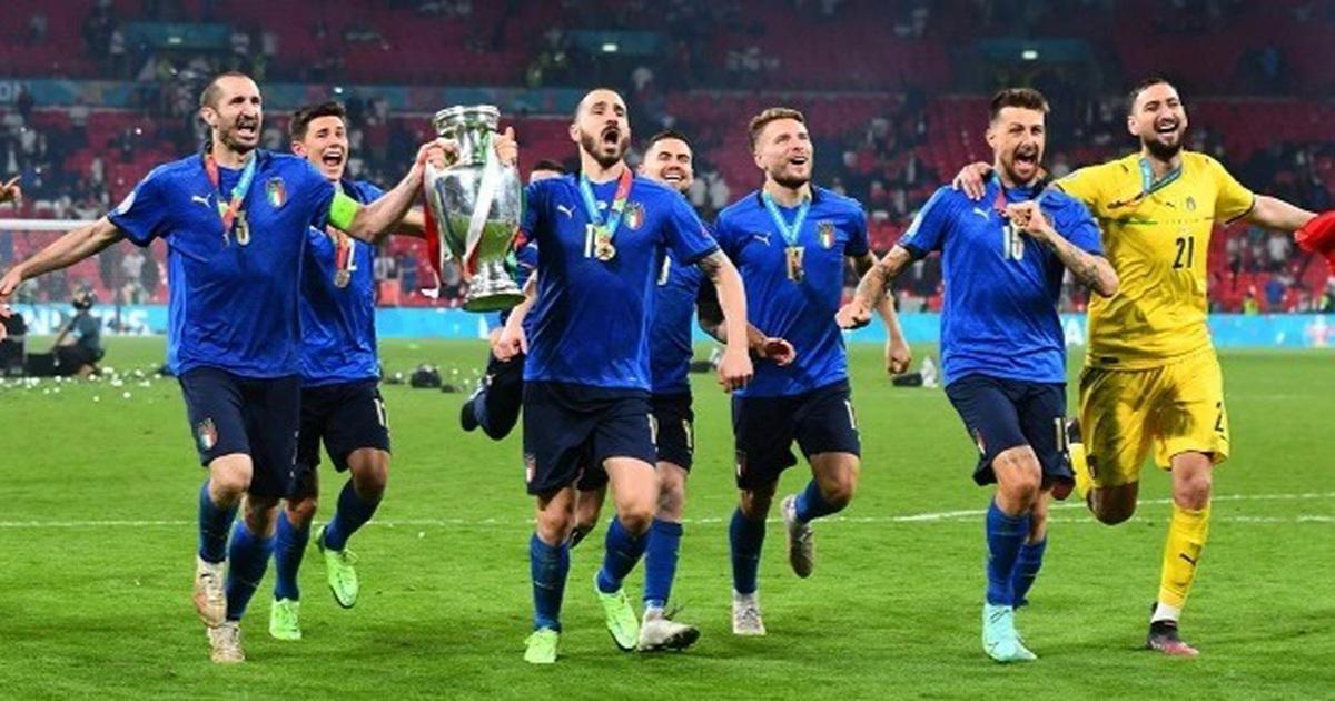 """Đội tuyển Italia """"bơi trong tiền"""" sau khi giành chức vô địch Euro 2020"""