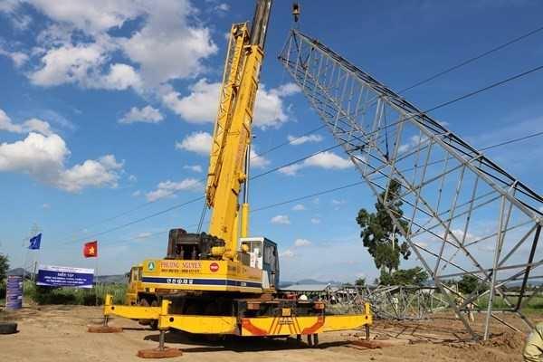 Đảm bảo vận hành an toàn lưới điện truyền tải mùa mưa bão