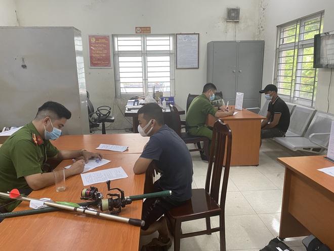 Hà Nội: Phạt 58 người ra đường không có lý do cần thiết - 1