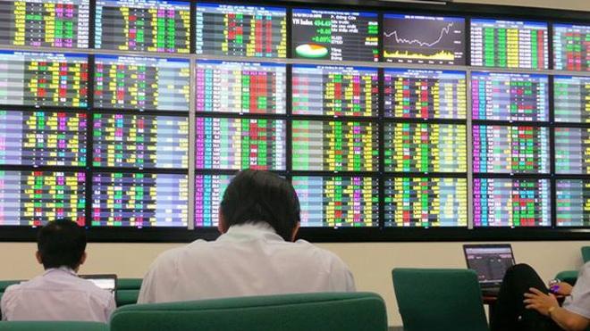 Chứng khoán 27/7: VN-Index tiếp tục chinh phục ngưỡng cản mạnh 1.300 điểm - 1