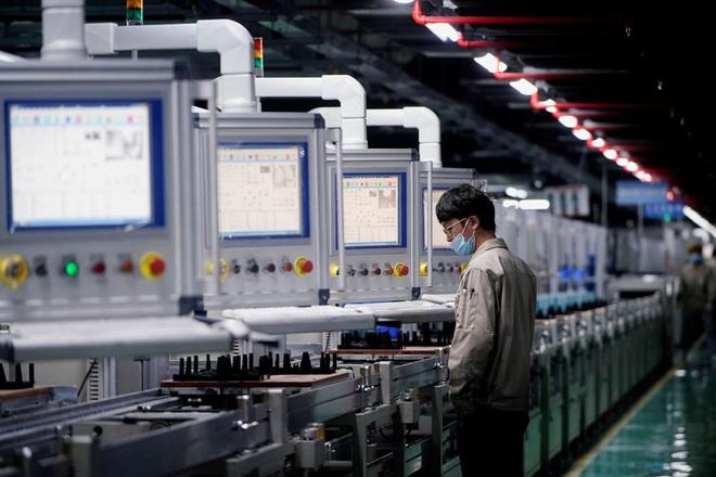 Con số báo động về hoạt động sản xuất của Trung Quốc - 1