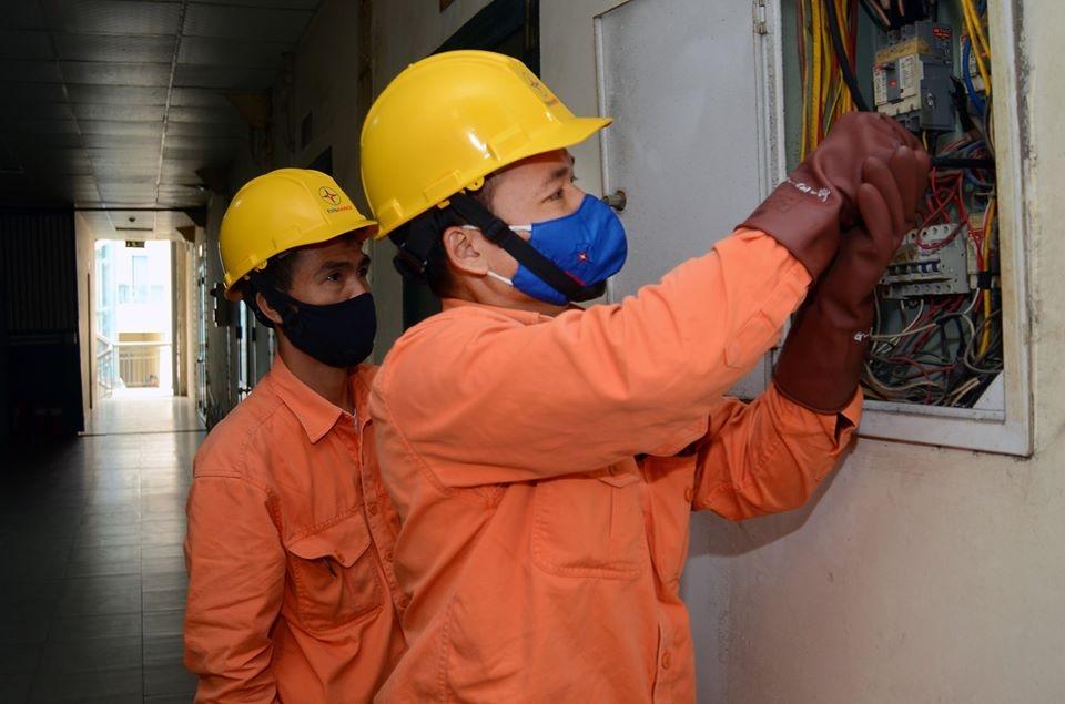 Giảm 10% tiền điện cho khách hàng dùng trên 200 kWh tại các địa phương đang thực hiện giãn cách