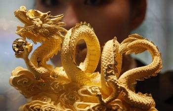 Giá vàng hôm nay 16/1: Đồng USD vụt tăng, vàng mất giá mạnh