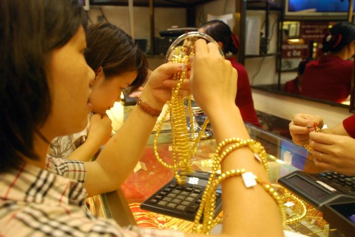 """Doanh nghiệp vàng tìm """"cửa sống"""" ở vàng kém chất lượng!"""