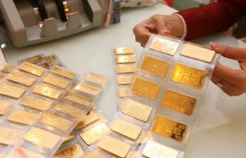 """Giá vàng SJC """"bốc hơi"""" 120 ngàn đồng/lượng"""