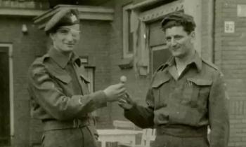 doi quan mot nguoi giai phong thanh pho ha lan nam 1945