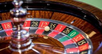 Doanh thu sòng bạc Macau giảm 94,5%