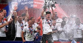 Fulham đánh bại Brentford ở trận cầu đắt giá nhất thế giới