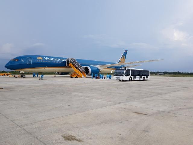 """Hơn 700 du khách tại """"điểm nóng"""" Đà Nẵng sắp về Hà Nội, TPHCM"""