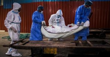 Hơn 800.000 người chết vì Covid-19, thế giới vẫn căng mình ứng phó đại dịch