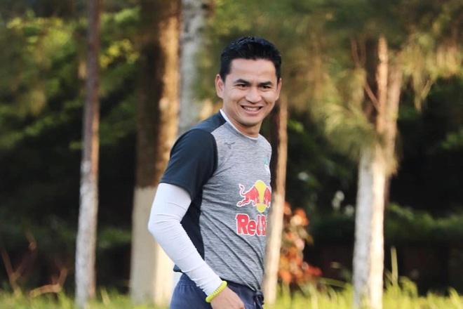 HLV Kiatisuk xin phép bầu Đức để trở lại Thái Lan - 1
