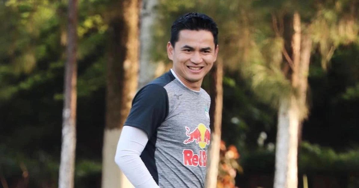 HLV Kiatisuk xin phép bầu Đức để trở lại Thái Lan