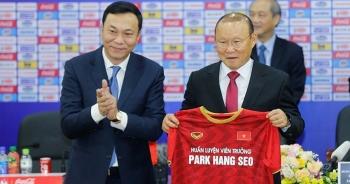 """Vì sao HLV Park Hang Seo chưa """"chốt hạ"""" hợp đồng với VFF?"""