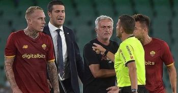HLV Mourinho bị đuổi, AS Roma nhận 6 thẻ đỏ ở trận thua thảm Betis