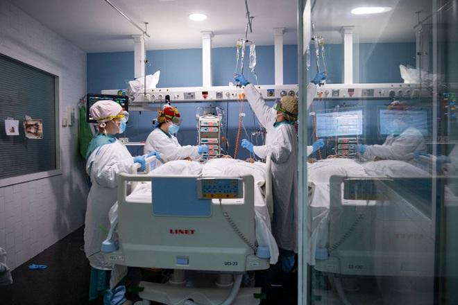 Phát hiện thủ phạm có thể khiến SARS-CoV-2 gây bệnh nặng và tử vong - 1