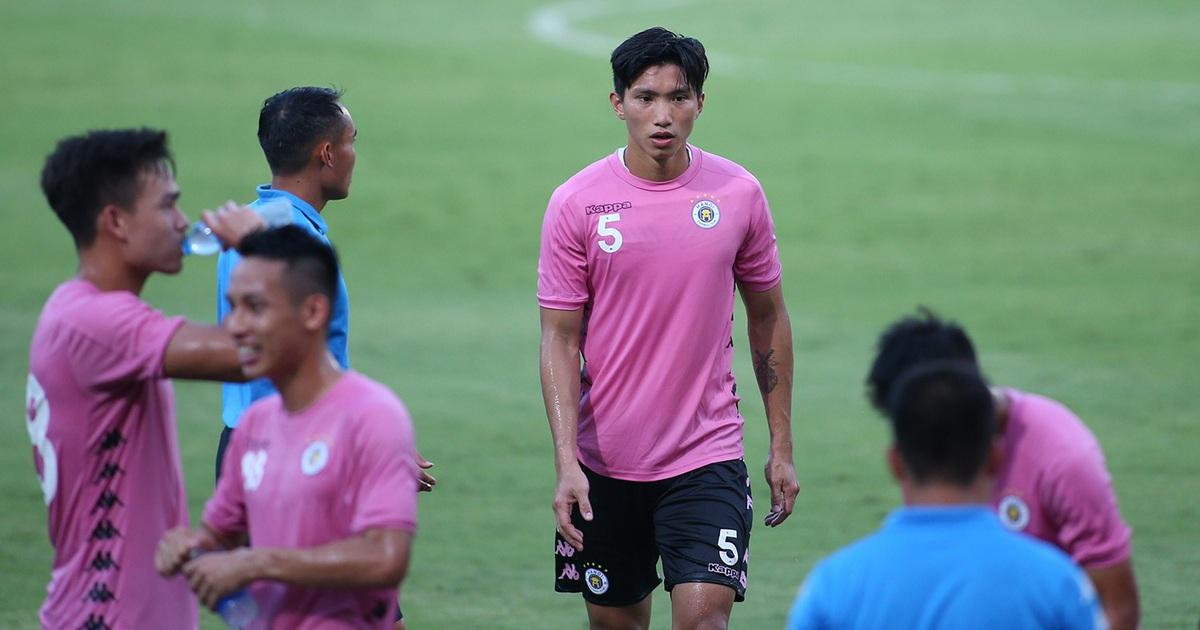 Văn Hậu đá 45 phút, CLB Hà Nội thắng đậm CLB Viettel