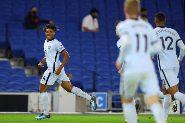 Các hậu vệ tỏa sáng giúp Chelsea thắng trận mở màn - 1
