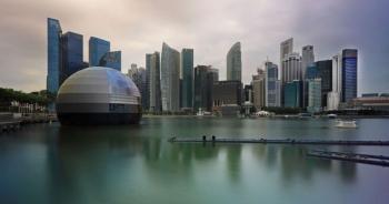 """Căng thẳng với Mỹ, các """"ông lớn"""" công nghệ Trung Quốc đổ xô đến Singapore"""