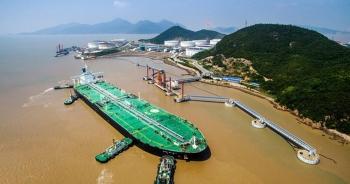 Trung Quốc đổ xô tích trữ, mua 50% dầu thô của Việt Nam