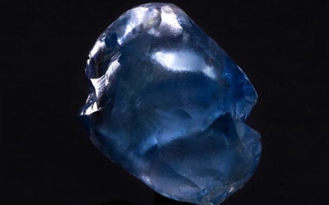 Choáng váng khi cùng lúc tìm thấy 5 viên kim cương xanh cực hiếm - 2