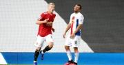 Man Utd 1-3 Crystal Palace: Điểm sáng nhỏ từ Van de Beek