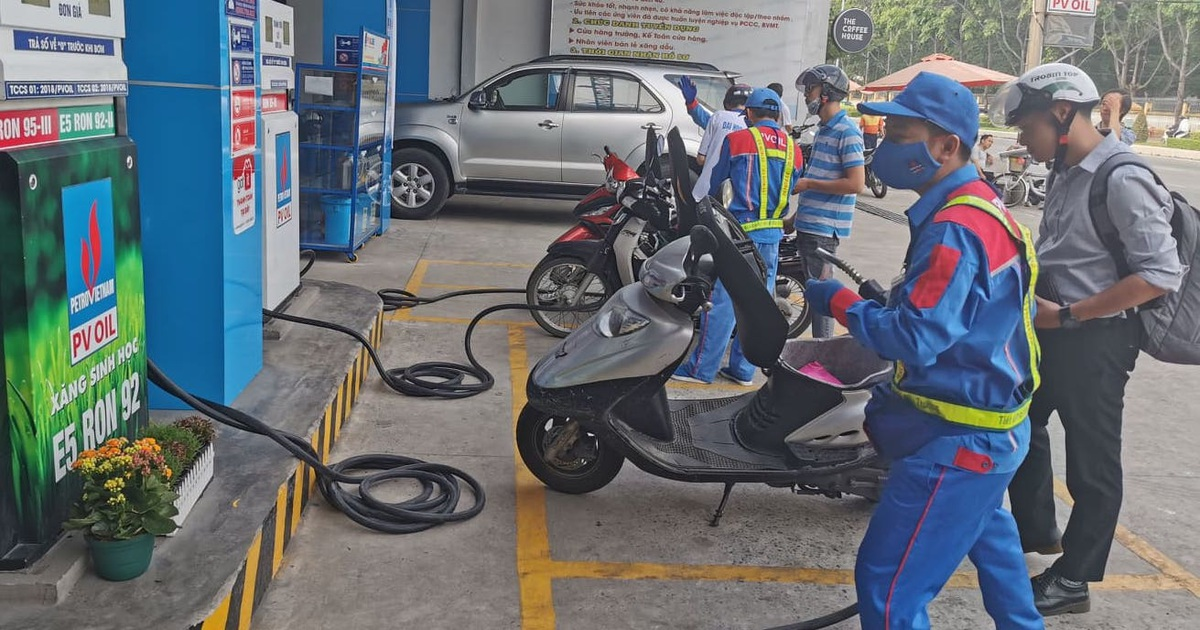 Đề xuất cách tính giá xăng dầu mới, 1 tháng điều chỉnh 3 lần