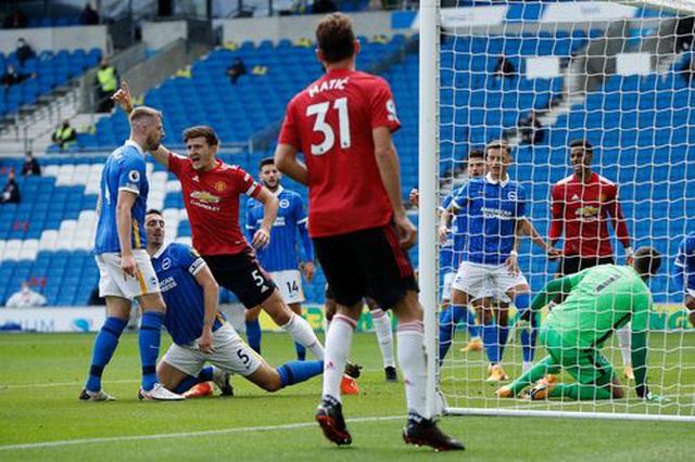 Brighton 2-3 Man Utd: Chiến thắng kịch tính - 11