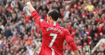 C.Ronaldo đeo băng đội trưởng ngay trong trận ra mắt Man Utd