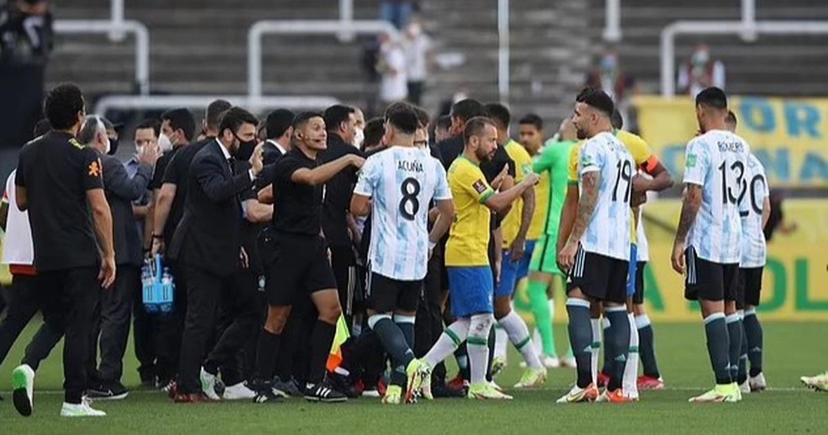 Đại chiến Brazil và Argentina mới thi đấu 8 phút bất ngờ bị hủy