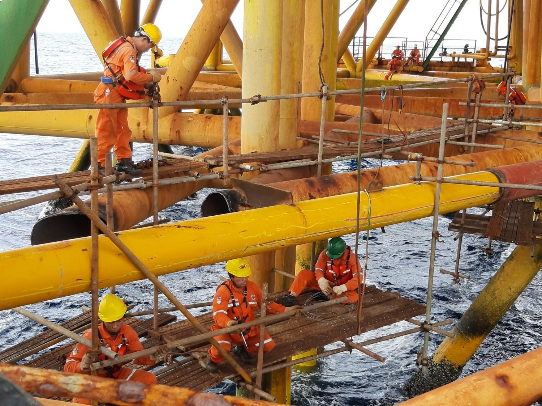 Thu ngân sách từ dầu thô 8 tháng đạt 111% dự toán