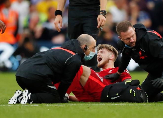 Lĩnh cú vào bóng triệt hạ, ngôi sao Liverpool chấn thương kinh hoàng - 2