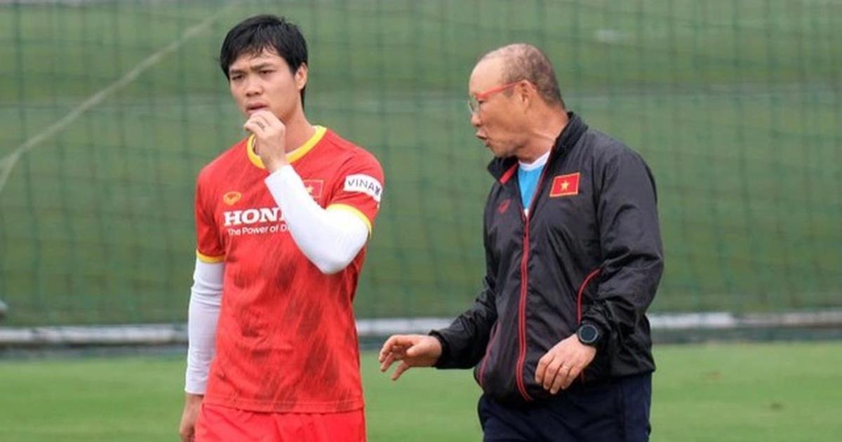 HLV Park Hang Seo triệu tập 32 cầu thủ chờ đấu Trung Quốc, Oman