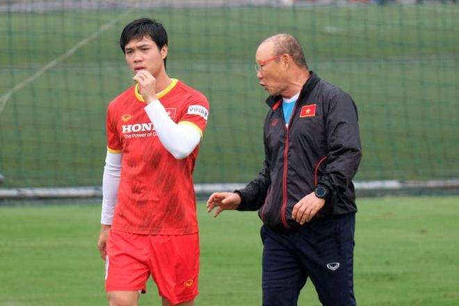 HLV Park Hang Seo triệu tập 32 cầu thủ chờ đấu Trung Quốc, Oman - 2