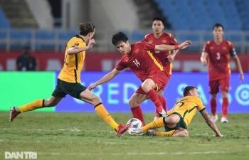 """Chuyên gia Indonesia """"xấu hổ', muốn học tập tuyển Việt Nam trước AFF Cup"""