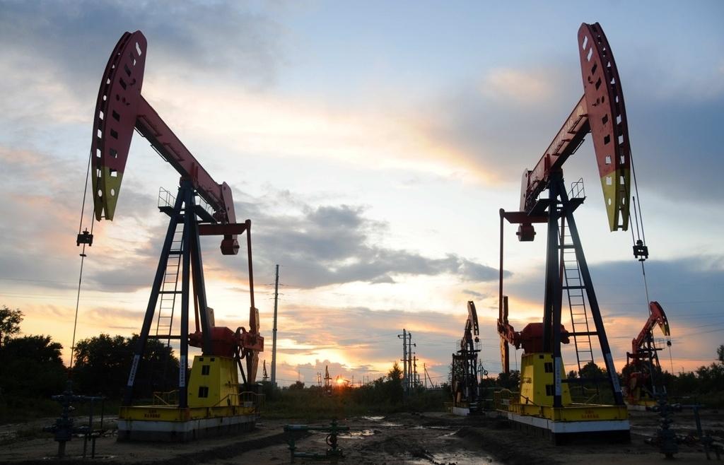 Giá dầu ngày 20/9 tiếp đà đi xuống