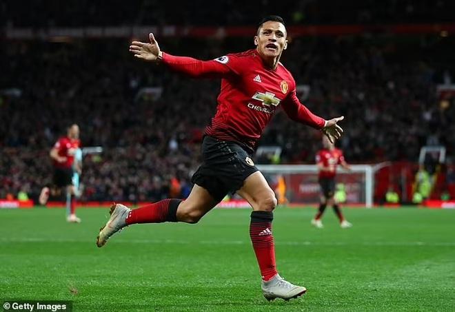 C.Ronaldo đá 3 trận bằng cả mùa giải của Alexis Sanchez và Di Maria - 5