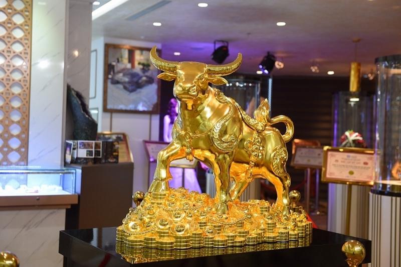 Giá vàng hôm nay 24/9: Đồng USD suy yếu, giá vàng cũng lao dốc
