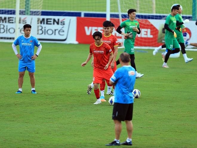 Công Phượng, Tiến Linh lại khiến đội tuyển Trung Quốc lo lắng - 2