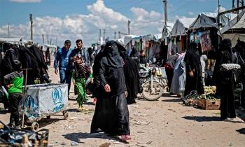 Người Kurd dẹp bạo loạn tại trại IS