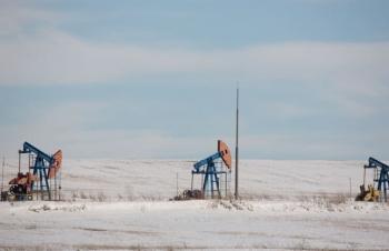 Giá xăng dầu hôm nay 10/10 giảm mạnh